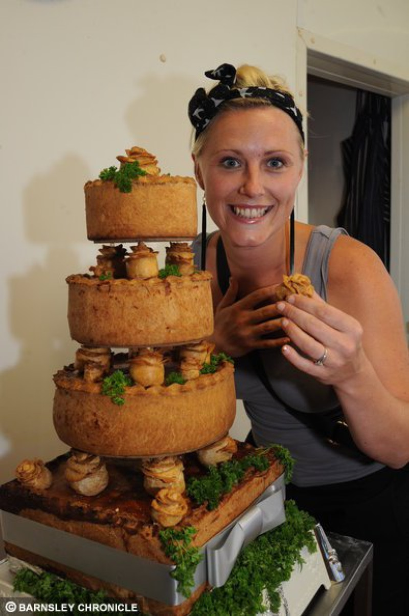 Crust Married Paula Coyle With The Pork Pie Wedding Cake