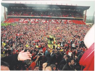 Main image for Barnsley's 1997 promotion heroes hope for repeat