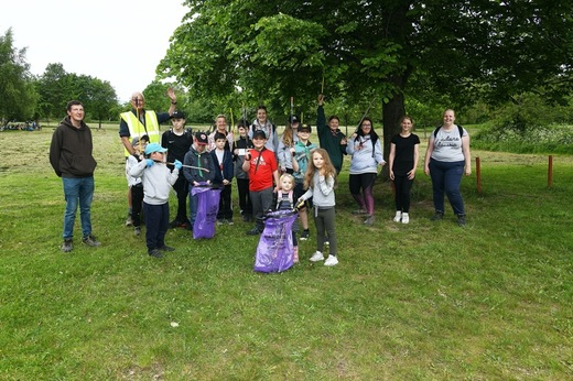 Main image for Scout members join litter-picking event