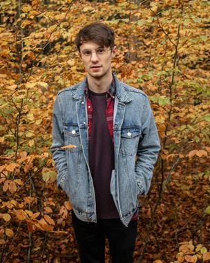 Main image for Singer-songwriter Toby Burton on taking music personally