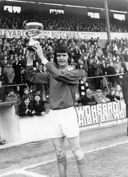 Main image for Barry hopes for 1st Reds Swansea success since 1974
