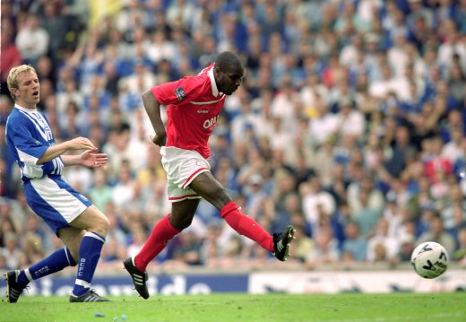 Main image for PLAY-OFF MEMORIES: Bruce hopes former team-mate can take Reds on better than 2000