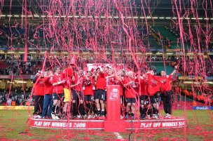 Main image for 2006 play-off final heroes want repeat for Barnsley against Swansea